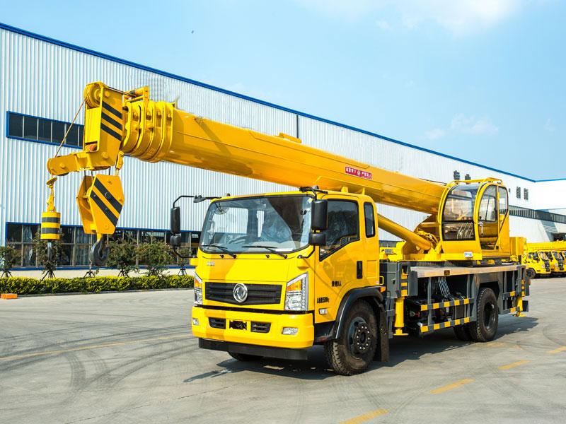 东风天锦单桥8吨随车吊厂家直销 质量保证 徐工随车吊